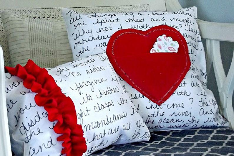 Cadeau de bricolage pour le 14 février - Oreiller décoratif