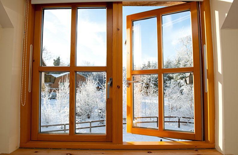 Les fenêtres en bois retiennent bien la chaleur