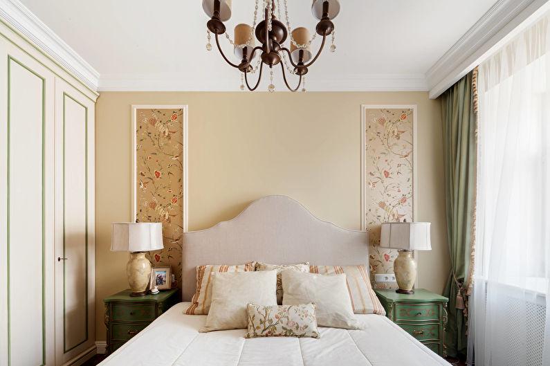 Concevez une petite chambre dans un style classique - Un minimum de motifs