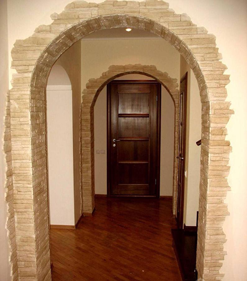 Décorer l'arche avec de la pierre décorative - photo