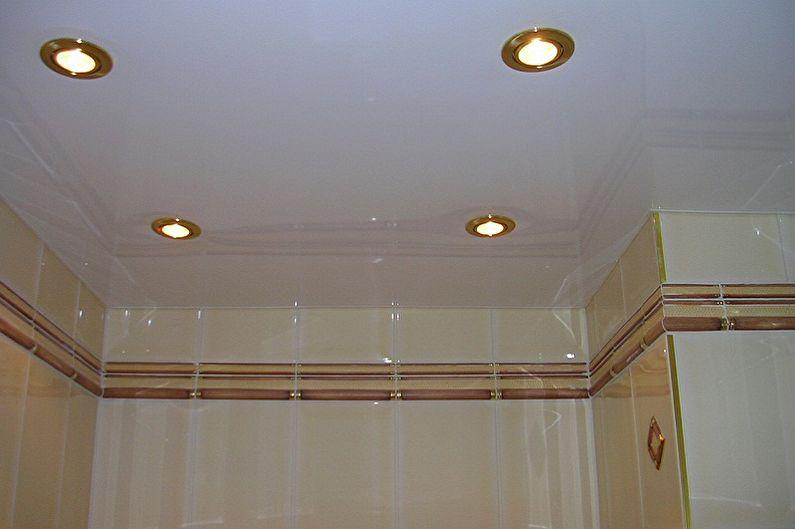 Conception des toilettes à Khrouchtchev - Finition du plafond