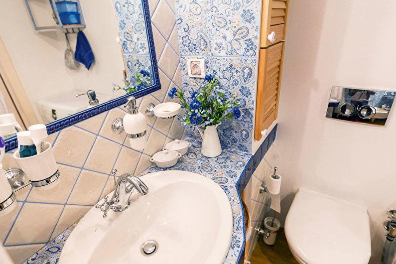 Toilettes à Khrouchtchev dans le style de la Provence - Design d'intérieur
